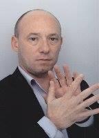 Elle serait avec cette homme à Echirolles (38130). Il pratiquerait la langues des signes, M. Yannick Bedin
